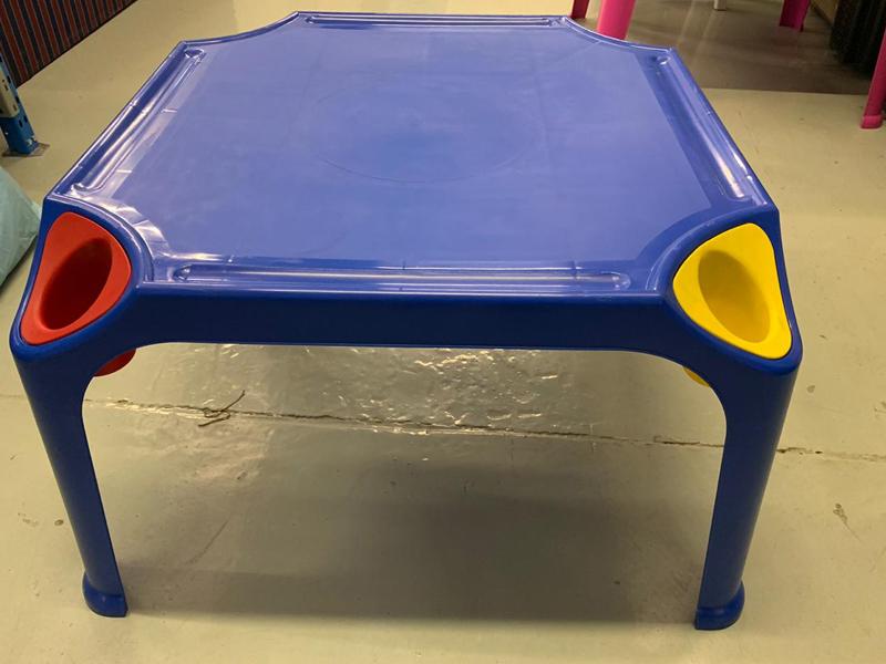 Plasticman Toddler Table
